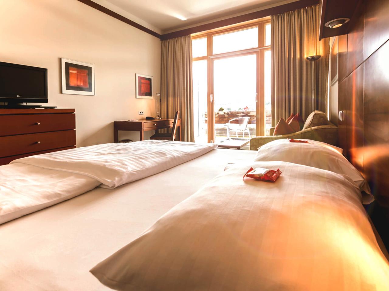 Modern hotel room in Bad Loipersdorf - DAS SONNREICH****