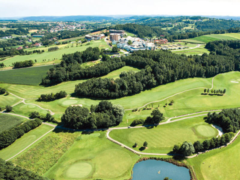DIFFERENT GOLF COURSES IN THE REGION